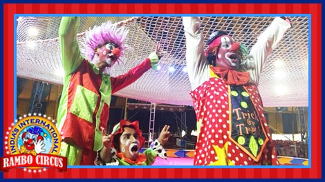 Super Funny Clowns